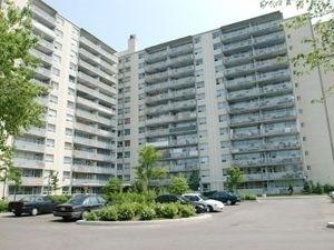 pictures of 35 Cedarcroft Blvd, Toronto M2R2Z4