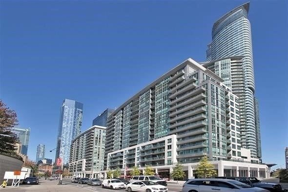 pictures of 25 Lower Simcoe St, Toronto M5J3A1
