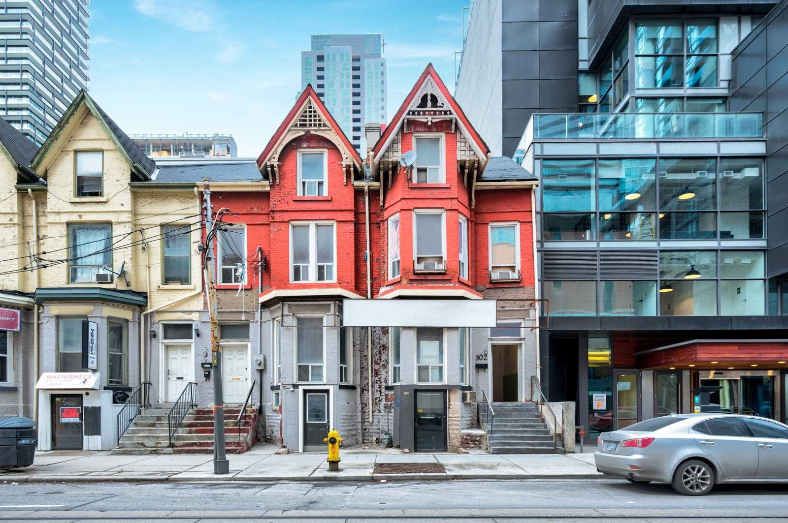 pictures of 302-304 Adelaide St W, Toronto M5V1P6