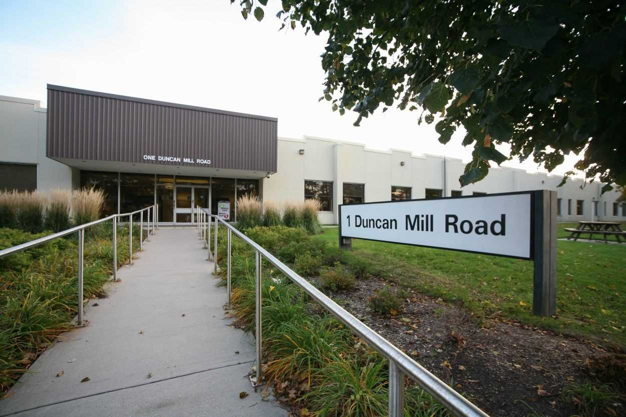 pictures of 1 Duncan Mill Rd, Toronto M3B1Z2
