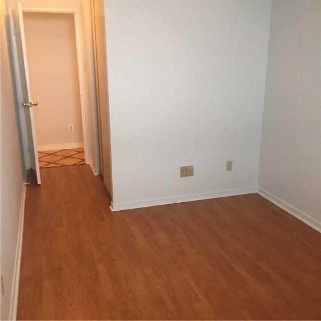 Image 6 of 9 showing inside of 3 Bedroom Condo Apt Apartment for Lease at 10 Tangreen Crt Unit# 2405, Toronto M2M4B9