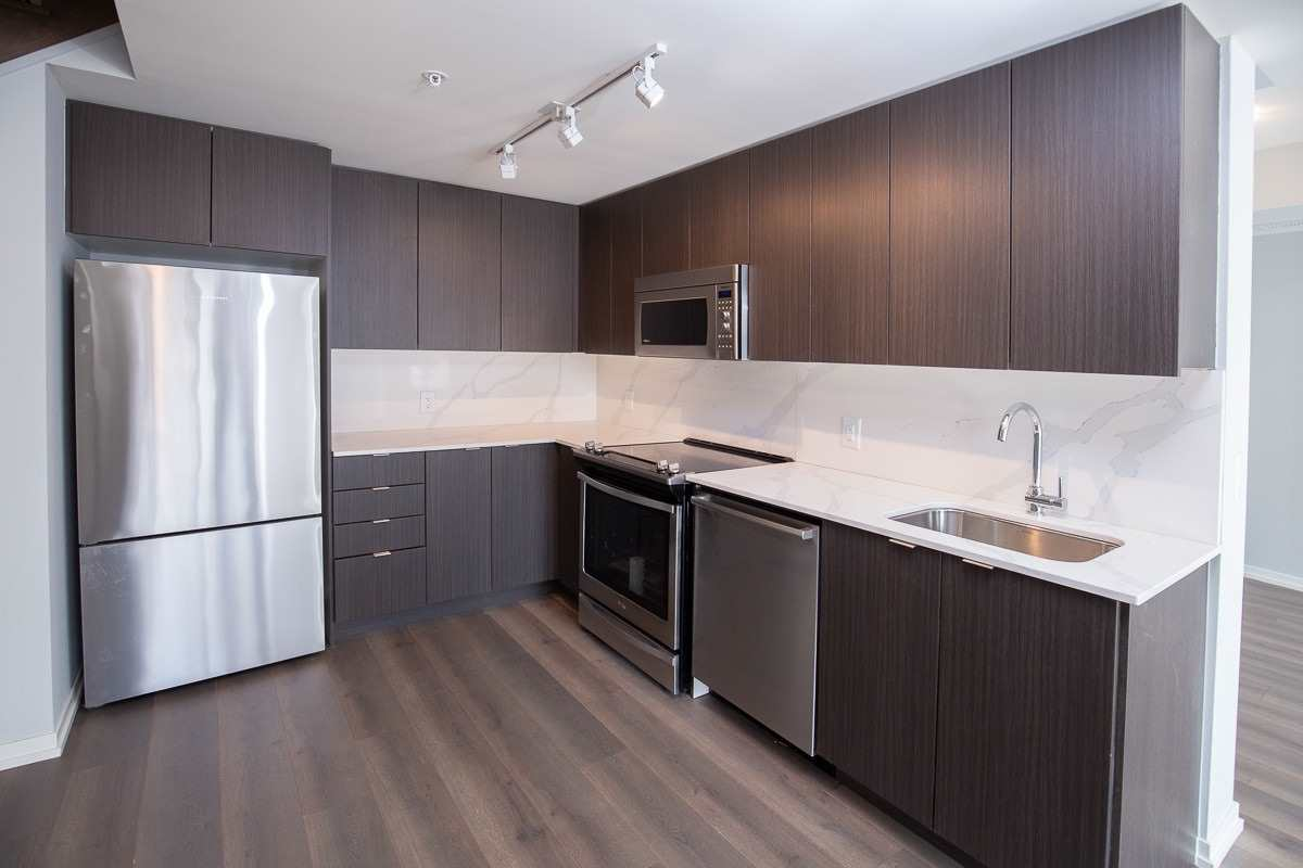 Image 1 of 20 showing inside of 3 Bedroom Condo Townhouse 2-Storey for Lease at 3237 Bayview Ave Unit# Th101, Toronto M2K0G1
