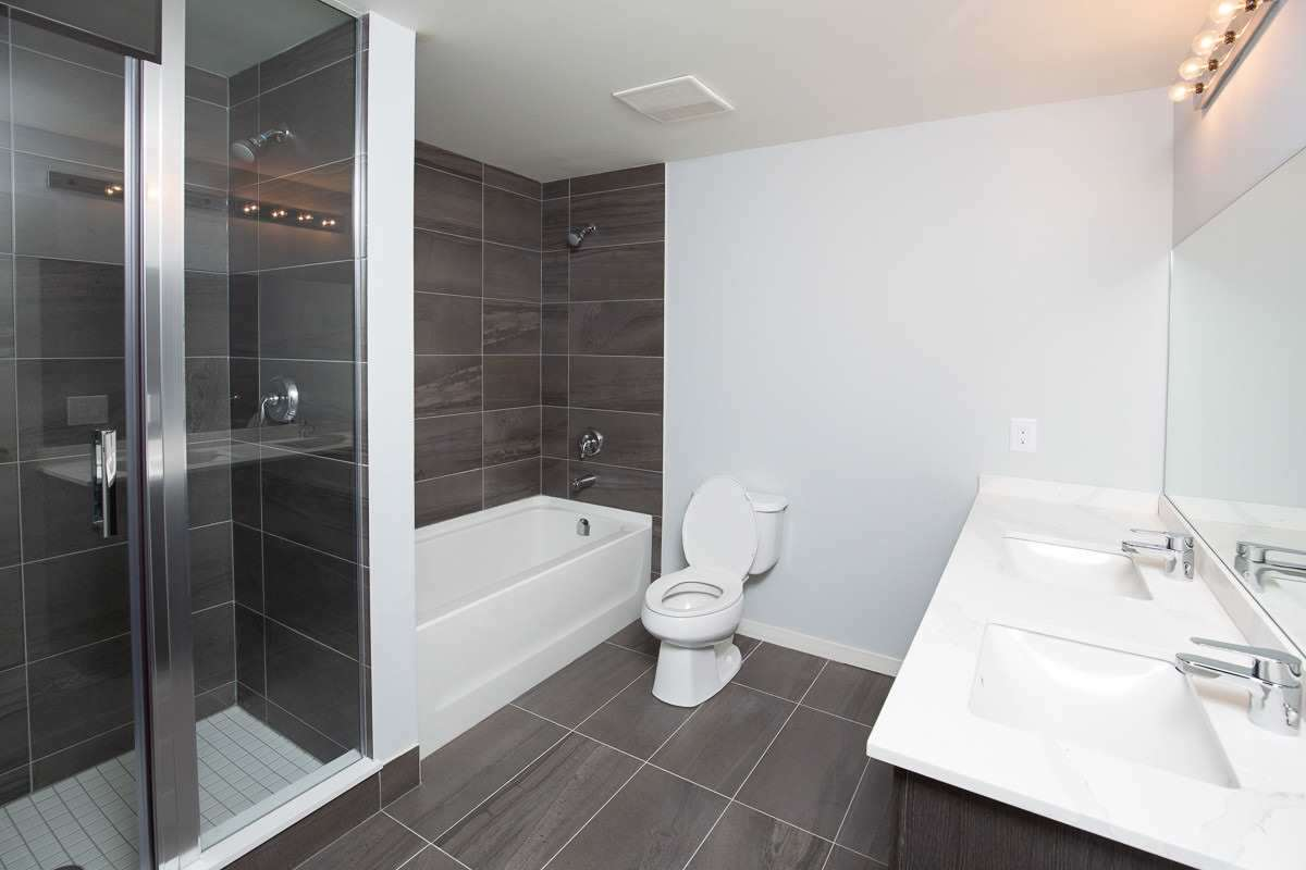 Image 5 of 20 showing inside of 3 Bedroom Condo Townhouse 2-Storey for Lease at 3237 Bayview Ave Unit# Th101, Toronto M2K0G1