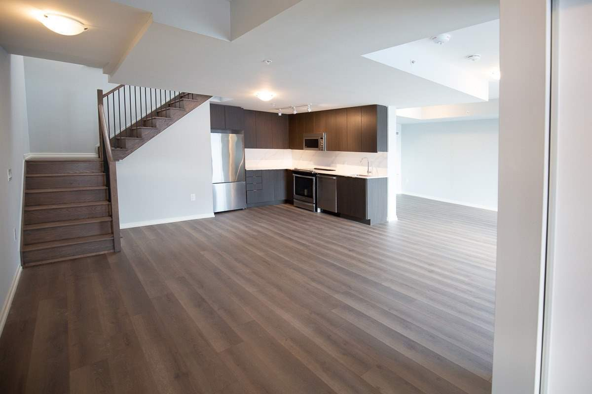 Image 12 of 20 showing inside of 3 Bedroom Condo Townhouse 2-Storey for Lease at 3237 Bayview Ave Unit# Th101, Toronto M2K0G1