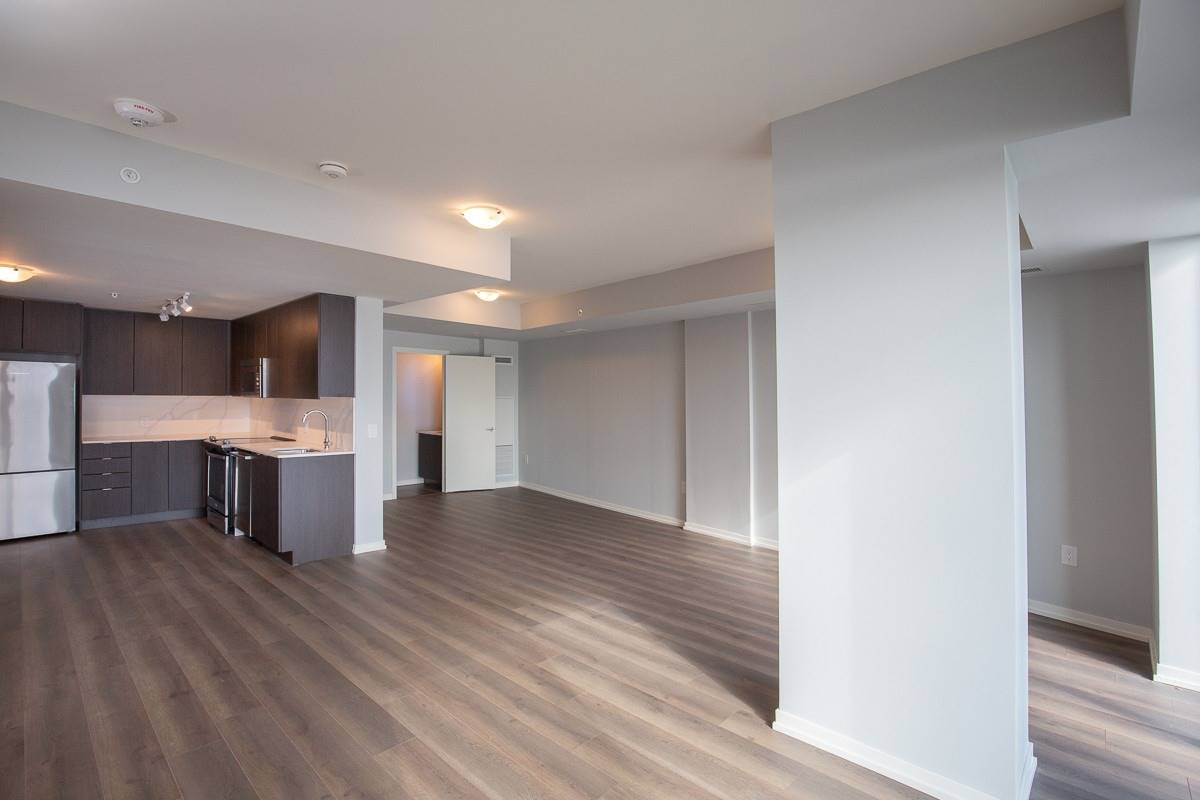 Image 14 of 20 showing inside of 3 Bedroom Condo Townhouse 2-Storey for Lease at 3237 Bayview Ave Unit# Th101, Toronto M2K0G1