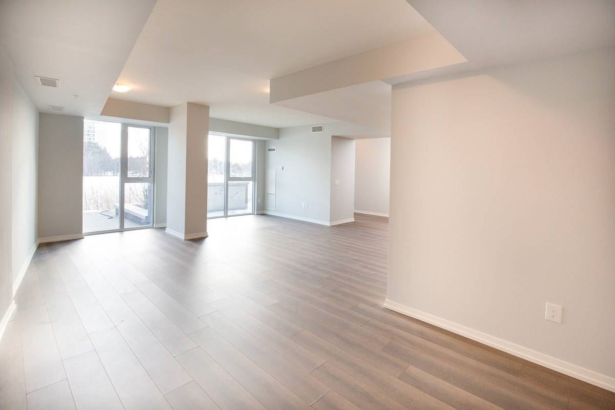 Image 15 of 20 showing inside of 3 Bedroom Condo Townhouse 2-Storey for Lease at 3237 Bayview Ave Unit# Th101, Toronto M2K0G1