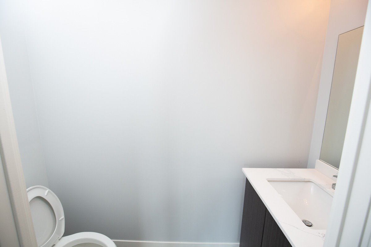 Image 17 of 20 showing inside of 3 Bedroom Condo Townhouse 2-Storey for Lease at 3237 Bayview Ave Unit# Th101, Toronto M2K0G1