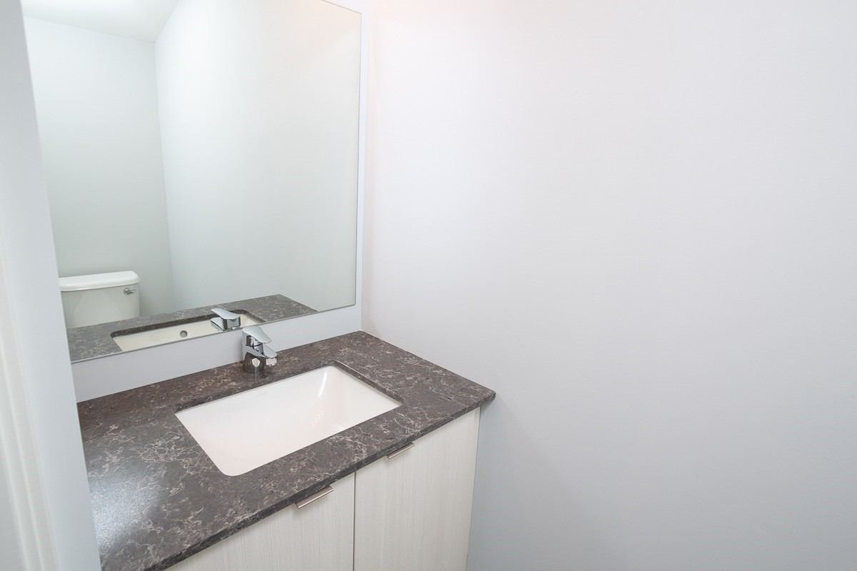 Image 2 of 15 showing inside of 2 Bedroom Condo Townhouse 2-Storey for Lease at 3237 Bayview Ave Unit# Th 104, Toronto M2K2J7