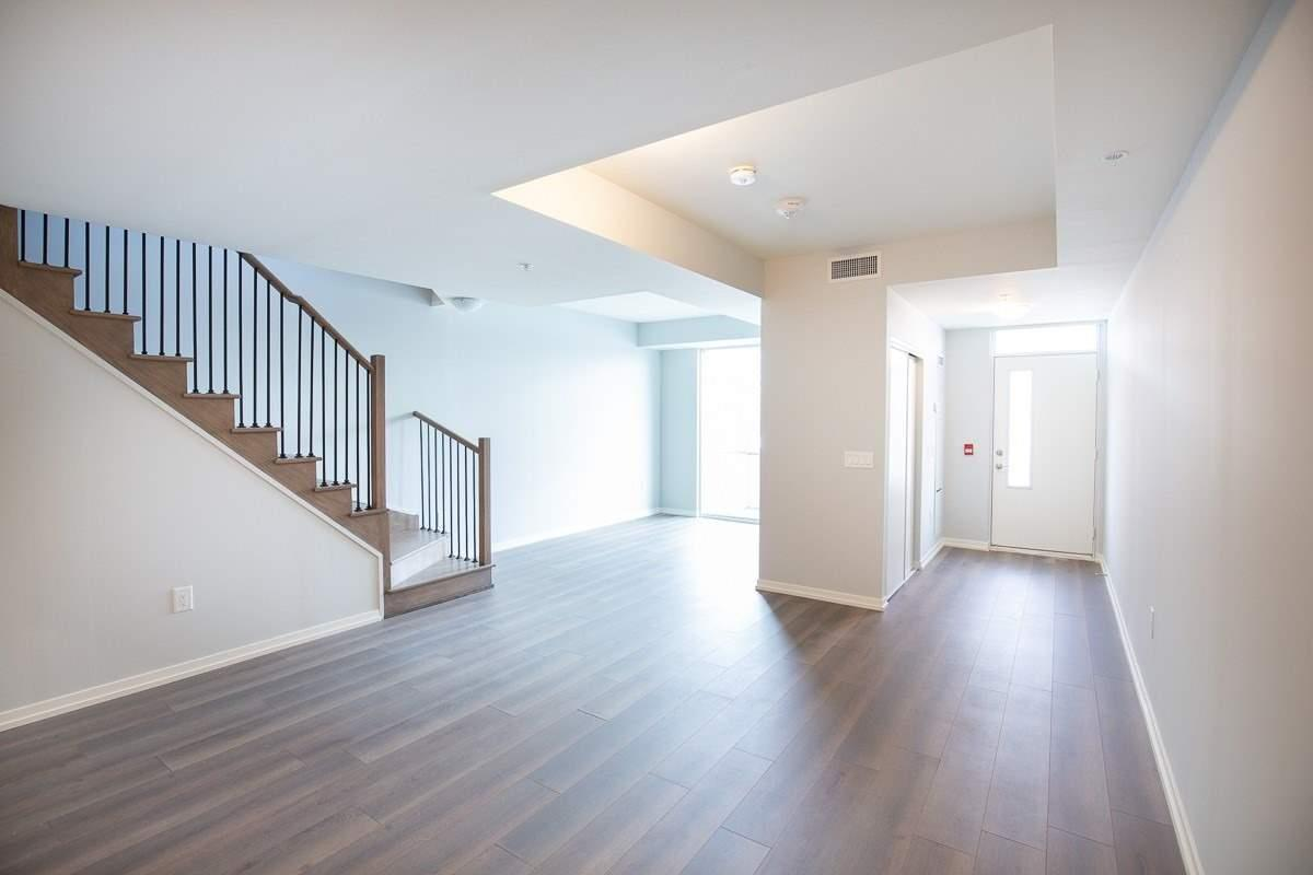Image 11 of 15 showing inside of 2 Bedroom Condo Townhouse 2-Storey for Lease at 3237 Bayview Ave Unit# Th 104, Toronto M2K2J7