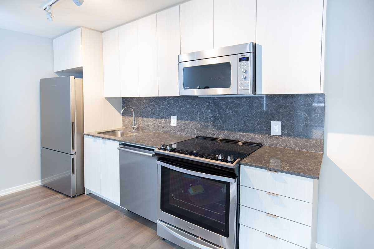 Image 12 of 15 showing inside of 2 Bedroom Condo Townhouse 2-Storey for Lease at 3237 Bayview Ave Unit# Th 104, Toronto M2K2J7