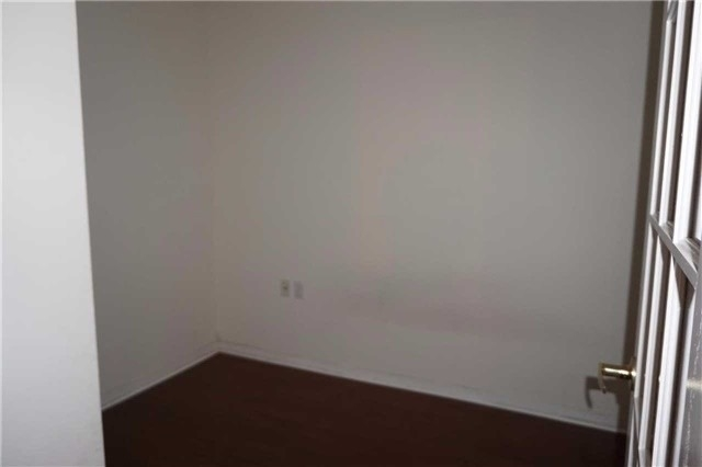 Image 2 of 17 showing inside of 1 Bedroom Condo Apt Apartment for Lease at 26 Olive Ave Unit# 1101, Toronto M2N7G7