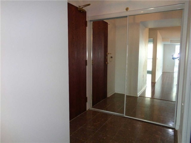 Image 6 of 17 showing inside of 1 Bedroom Condo Apt Apartment for Lease at 26 Olive Ave Unit# 1101, Toronto M2N7G7