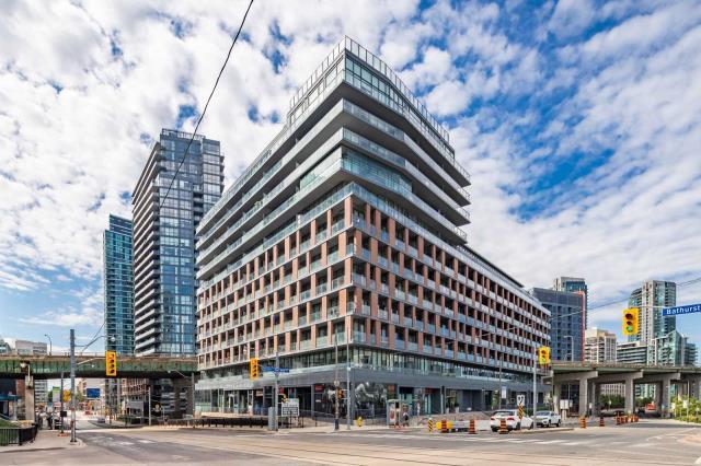 pictures of 169 Fort York Blvd, Toronto M5V0C7