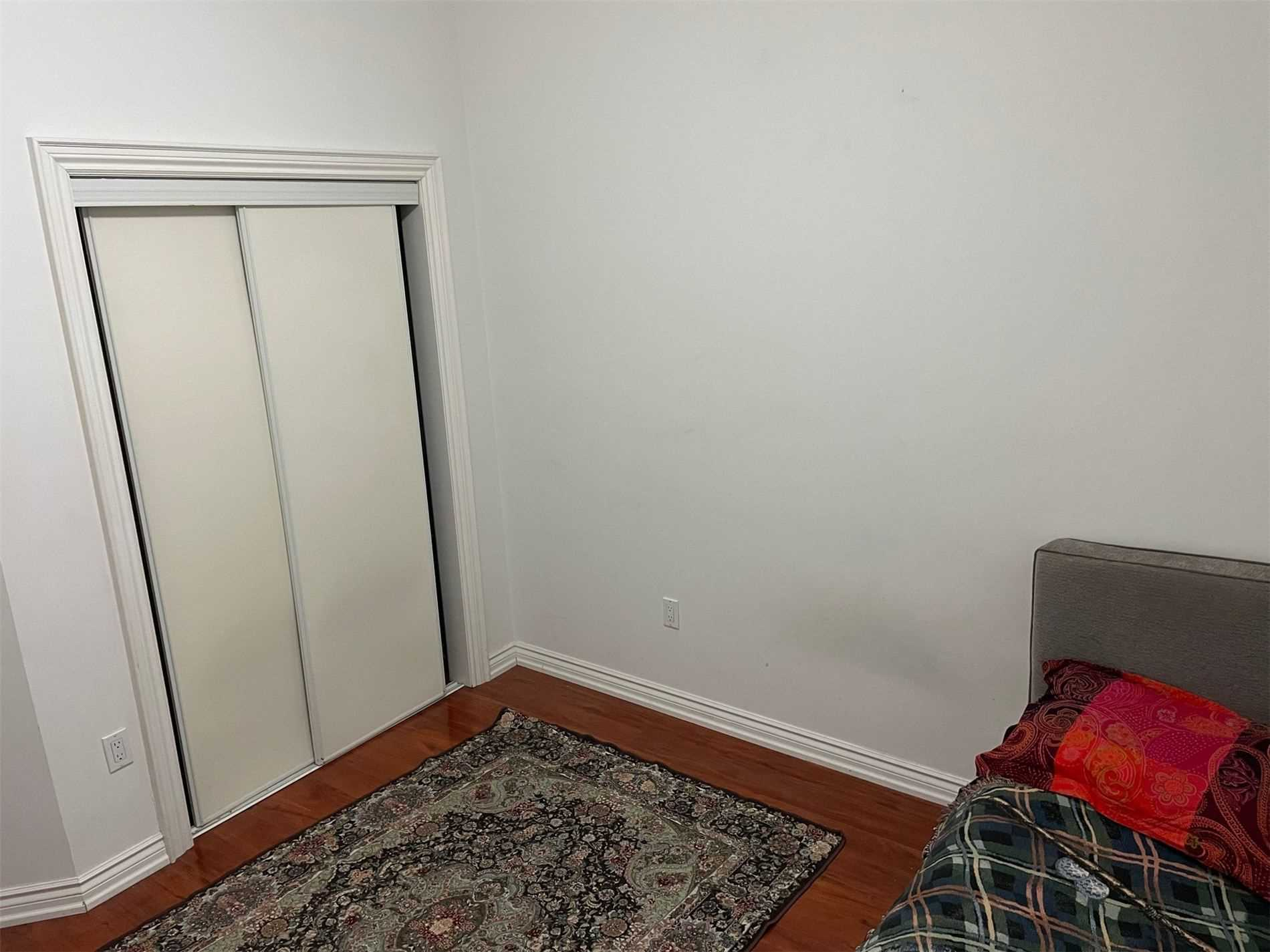 Image 9 of 10 showing inside of 1 Bedroom Detached 2-Storey for Lease at 40 Madawaska Ave, Toronto M2M2P9