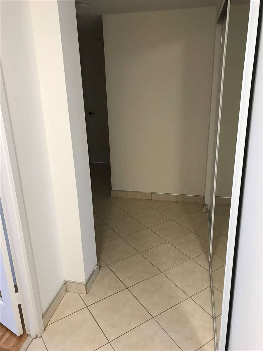 Image 15 of 16 showing inside of 2 Bedroom Condo Apt Apartment for Lease at 4001 Bayview Ave Unit# 211, Toronto M2M3Z9