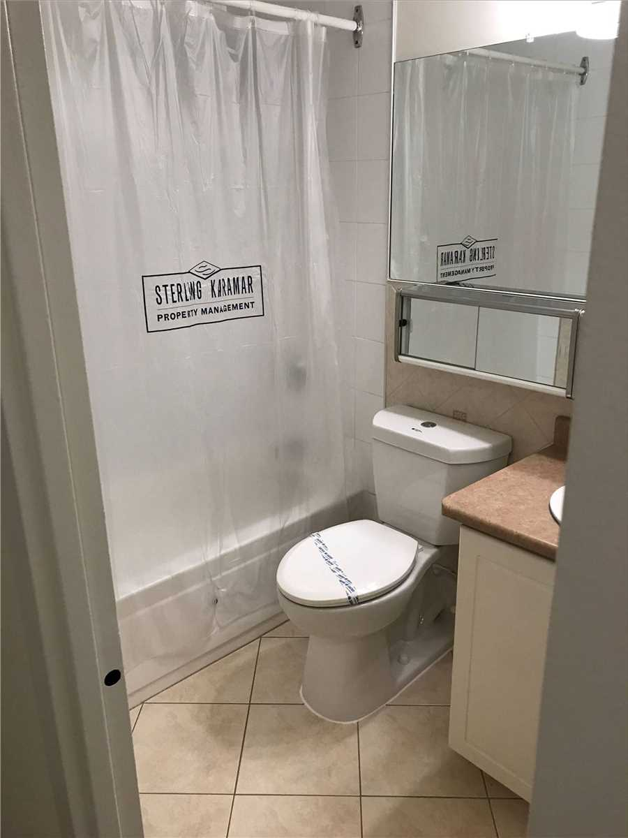 Image 16 of 16 showing inside of 2 Bedroom Condo Apt Apartment for Lease at 4001 Bayview Ave Unit# 211, Toronto M2M3Z9