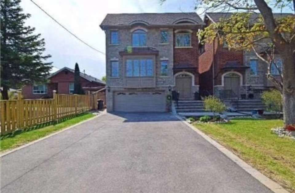 Image 1 of 7 showing inside of 1 Bedroom Detached 2-Storey for Lease at 147A Drewry Ave, Toronto M2M1E3