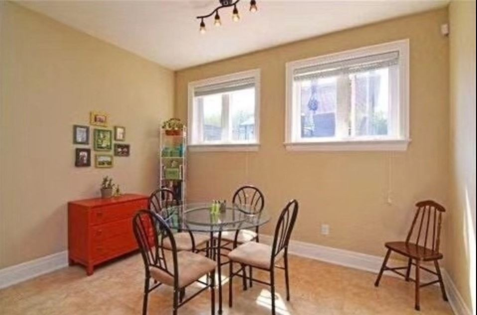 Image 7 of 7 showing inside of 1 Bedroom Detached 2-Storey for Lease at 147A Drewry Ave, Toronto M2M1E3