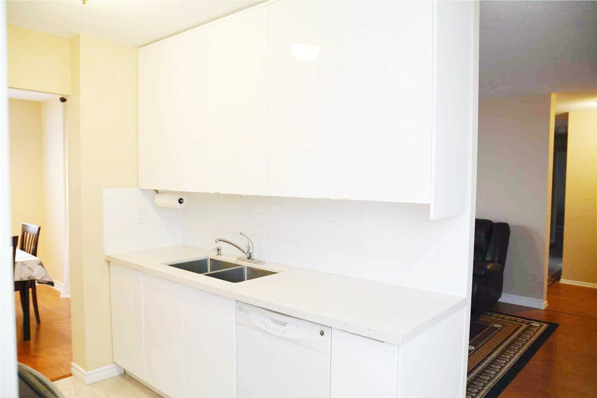 Image 12 of 14 showing inside of 3 Bedroom Condo Apt Apartment for Lease at 205 Hilda Ave Unit# 2104, Toronto M2M4B1