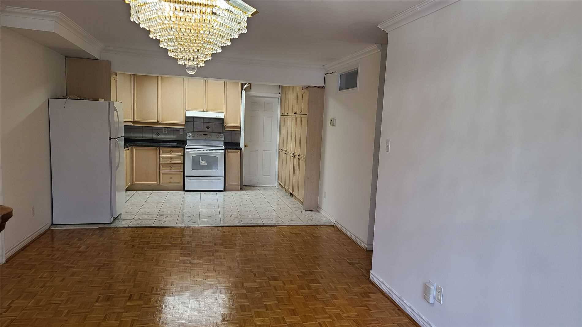Image 9 of 13 showing inside of 2 Bedroom Detached 2-Storey for Lease at 217 Finch Ave W, Toronto M2R1M2
