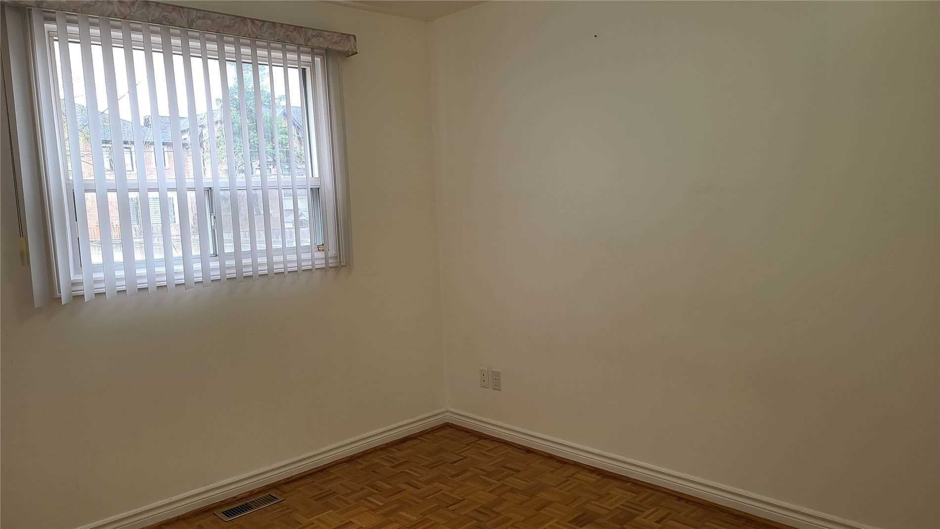 Image 12 of 13 showing inside of 2 Bedroom Detached 2-Storey for Lease at 217 Finch Ave W, Toronto M2R1M2