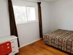 Image 3 of 13 showing inside of 3 Bedroom Semi-Detached Bungalow-Raised for Lease at 5 Leavey    (Upper) Crt, Toronto M2H1E5