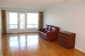 Image 13 of 13 showing inside of 3 Bedroom Semi-Detached Bungalow-Raised for Lease at 5 Leavey    (Upper) Crt, Toronto M2H1E5
