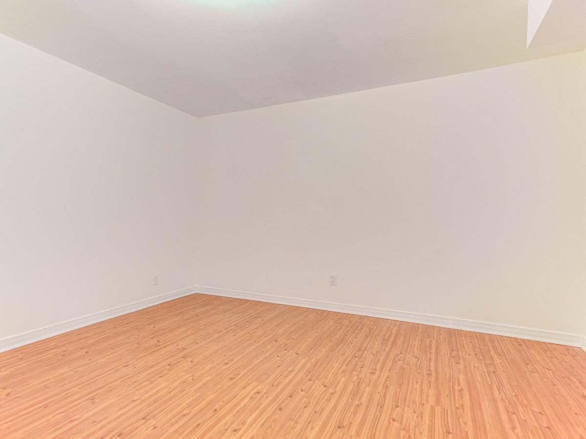 Image 9 of 11 showing inside of 2 Bedroom Detached Bungalow for Lease at 2 Bowerbank Dr, Toronto M2M1Z8