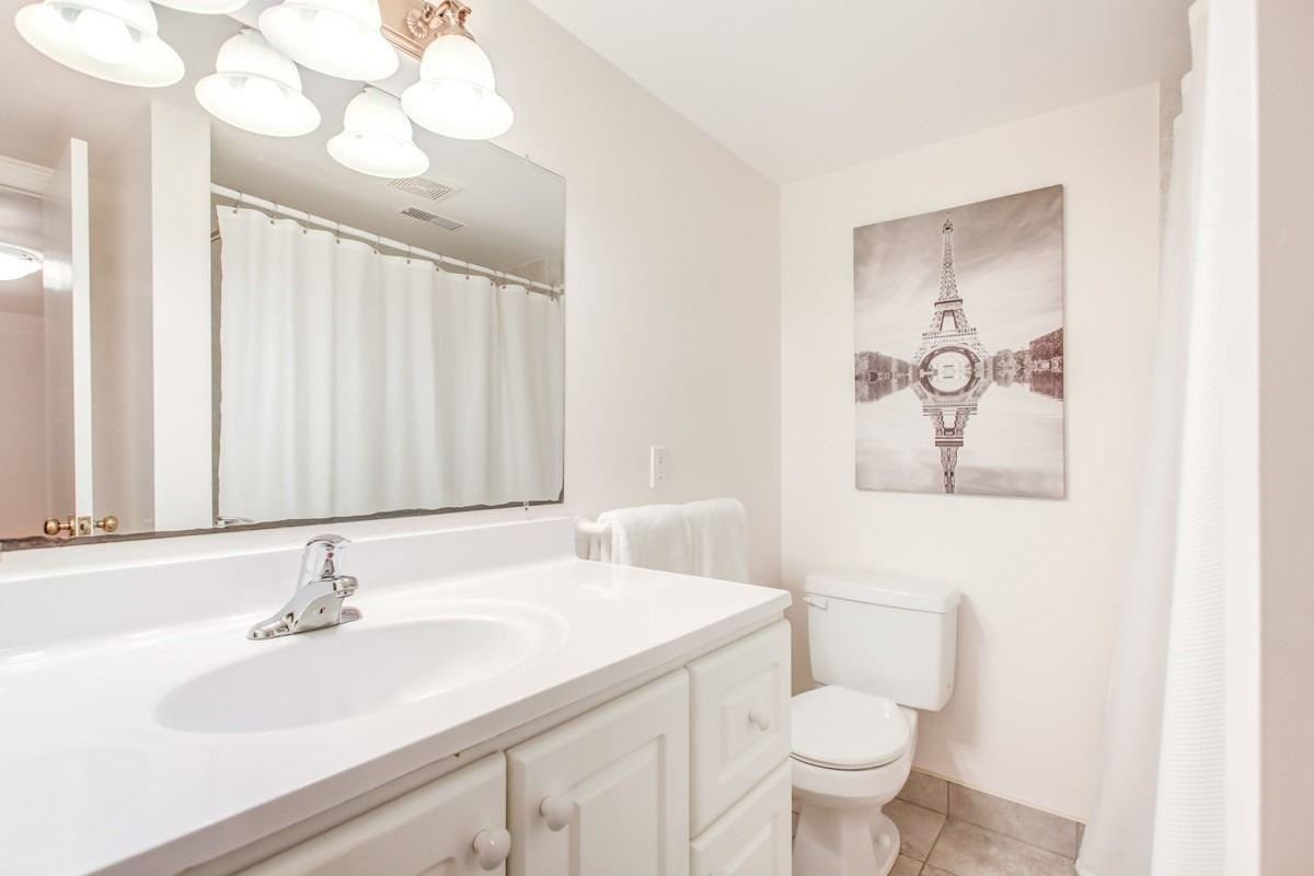 Image 2 of 30 showing inside of 3 Bedroom Detached Bungalow for Lease at 456 Drewry Ave, Toronto M2R2K7