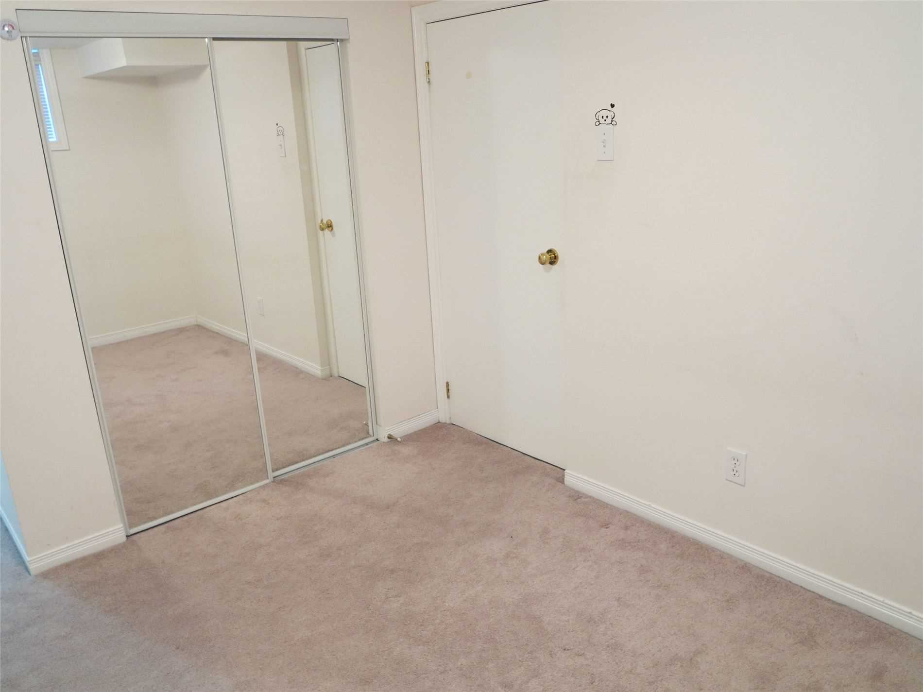 Image 5 of 30 showing inside of 3 Bedroom Detached Bungalow for Lease at 456 Drewry Ave, Toronto M2R2K7