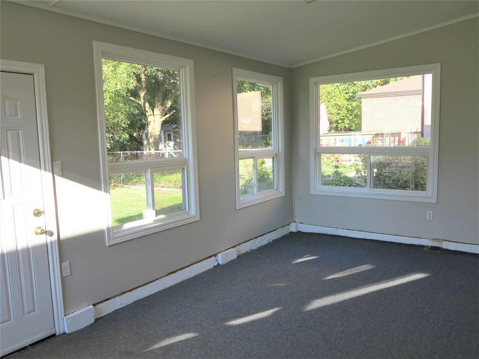 Image 26 of 30 showing inside of 3 Bedroom Detached Bungalow for Lease at 456 Drewry Ave, Toronto M2R2K7
