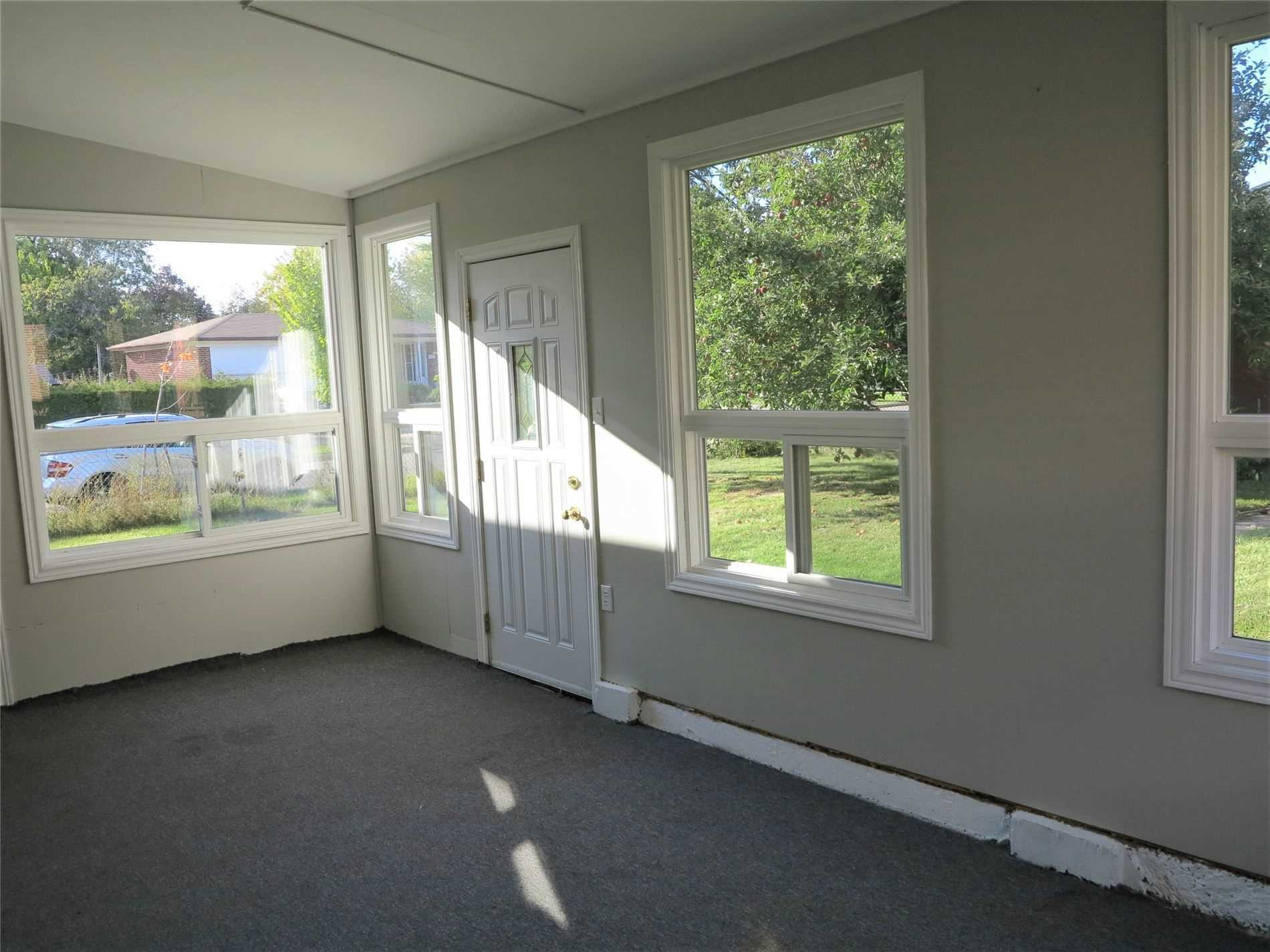 Image 27 of 30 showing inside of 3 Bedroom Detached Bungalow for Lease at 456 Drewry Ave, Toronto M2R2K7