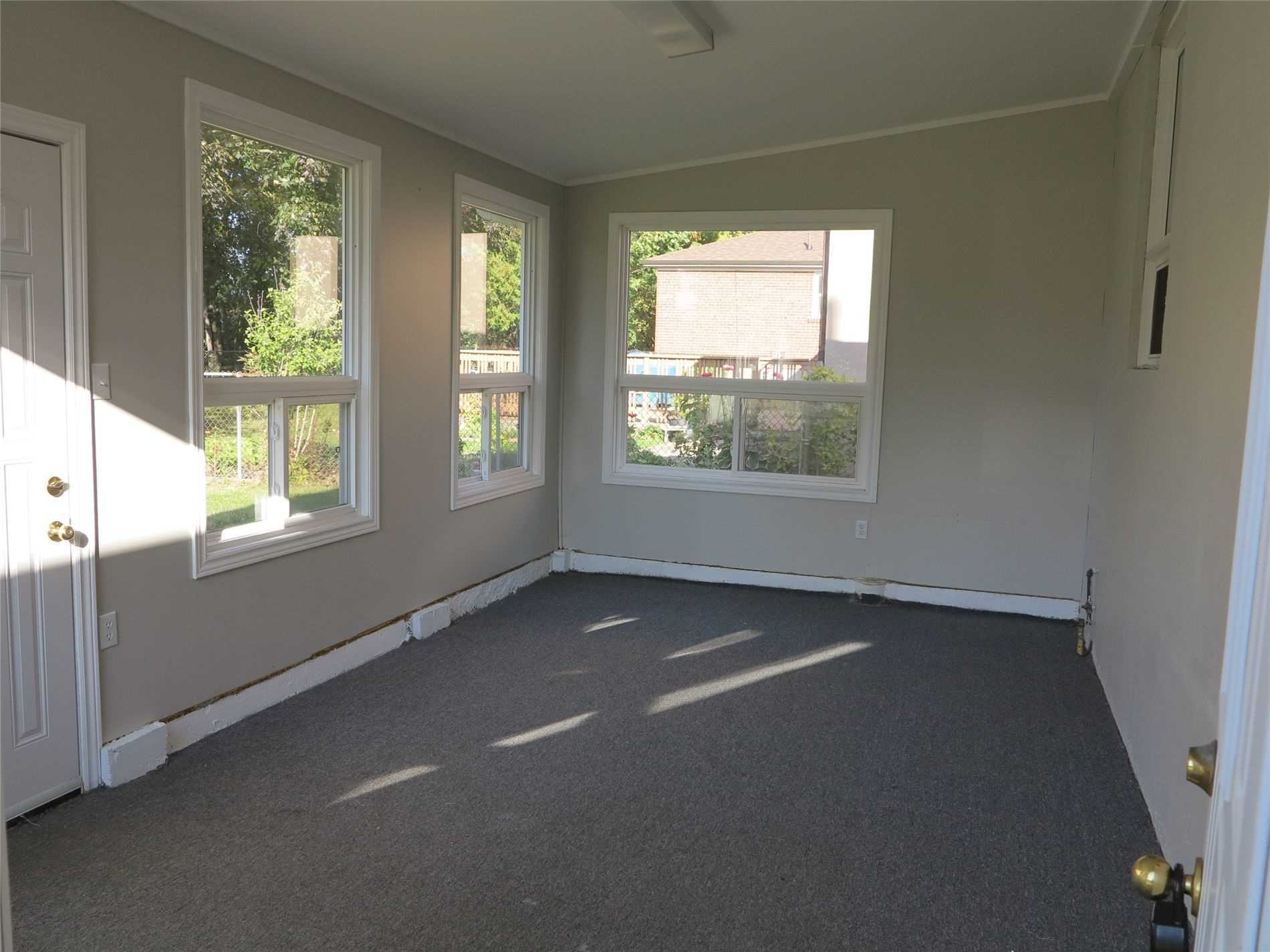 Image 28 of 30 showing inside of 3 Bedroom Detached Bungalow for Lease at 456 Drewry Ave, Toronto M2R2K7
