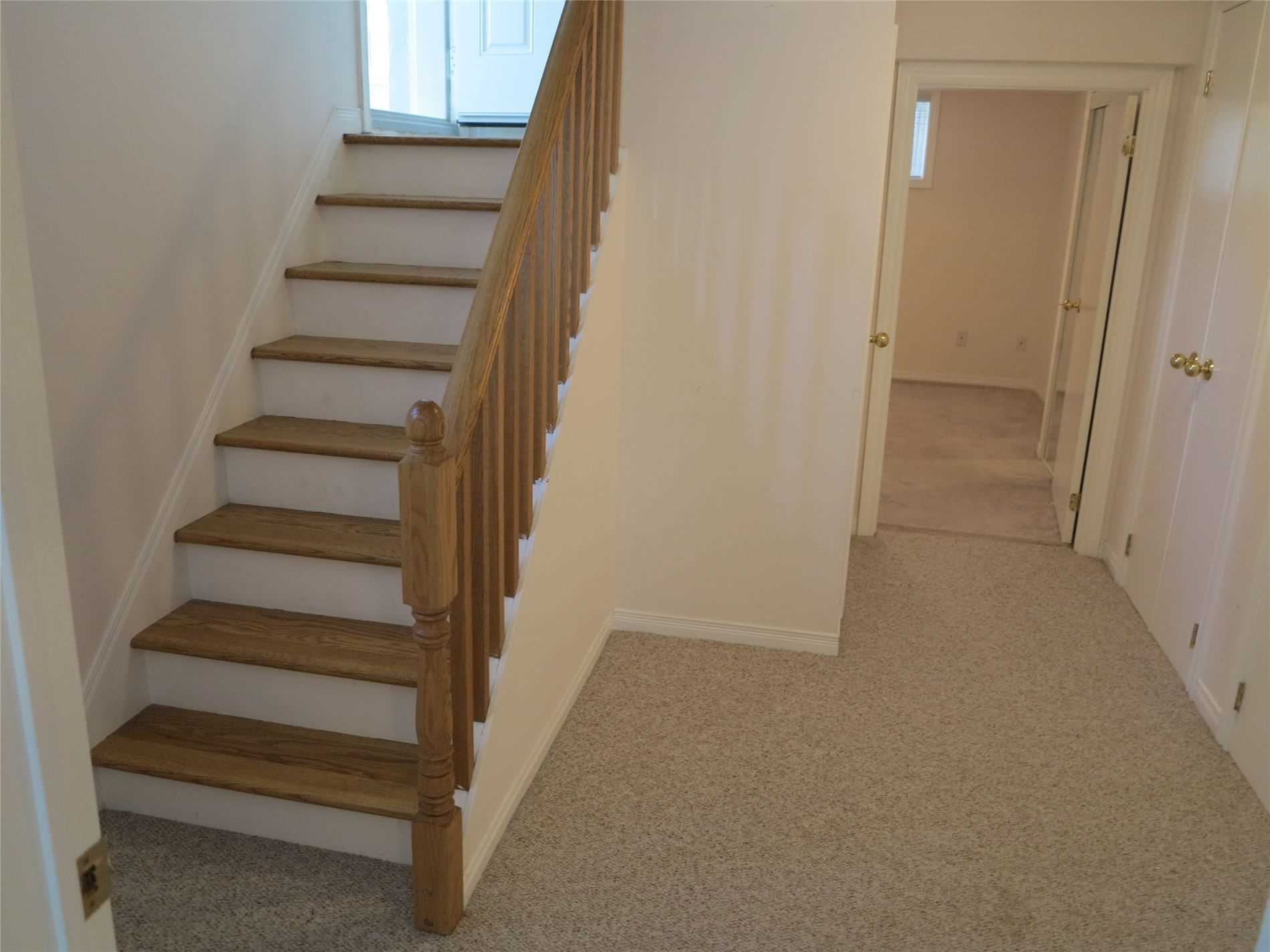 Image 29 of 30 showing inside of 3 Bedroom Detached Bungalow for Lease at 456 Drewry Ave, Toronto M2R2K7