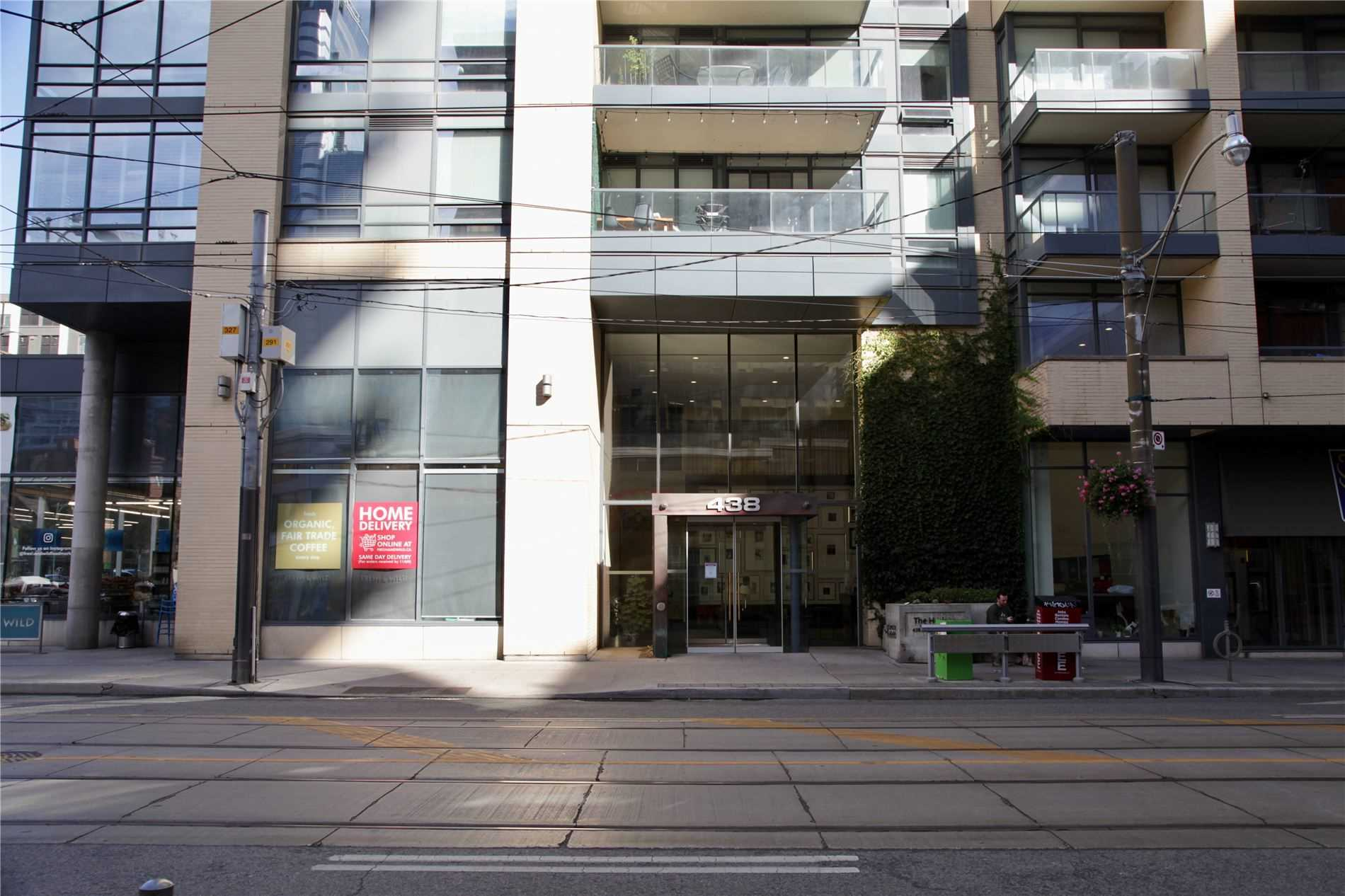 pictures of 438 King St W, Toronto M5V3T9
