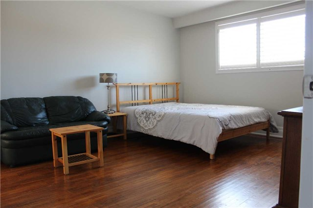 pictures of 248 Kennedy Rd, Toronto M1N3P5