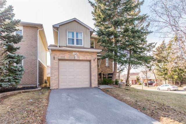 pictures of 126 Kirby Cres, Whitby L1N6Z7