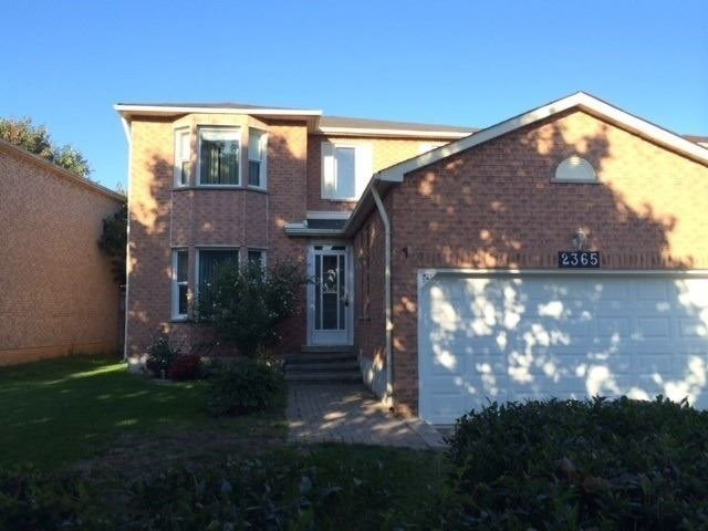 pictures of 2365 Strathmore Cres N, Pickering L1X2H3