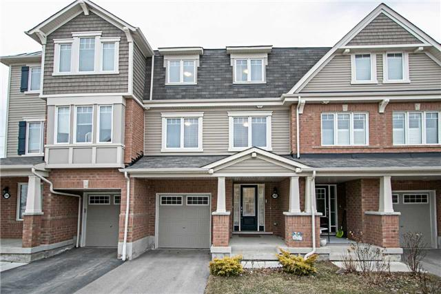 pictures of 2402 Bronzedale St, Pickering L1X0C3