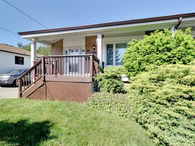 pictures of 712 Leaside St, Pickering L1W2X1