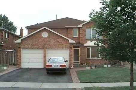 pictures of 202 Hoover Dr, Pickering L1V6C2