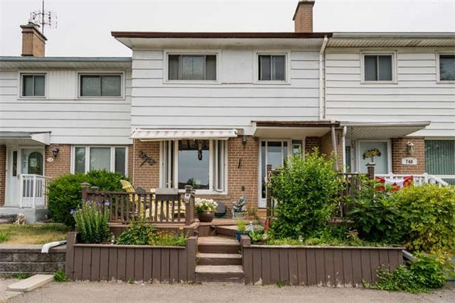 pictures of 738 Krosno Blvd, Pickering L1W 1G3
