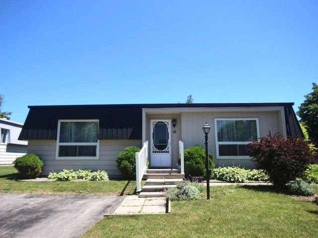 pictures of 10 Driftwood Lane, Clarington L1B1A5