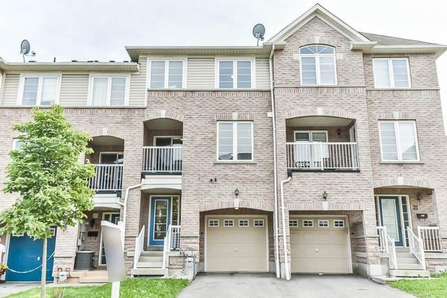 pictures of 19 Thornharrold St, Ajax L1S0B4