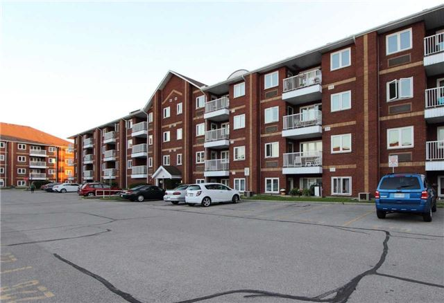 pictures of 191 Lake Driveway Dr W, Ajax L1S 7H9