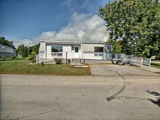 pictures of 92 Bluffs Rd, Clarington L1B1B9