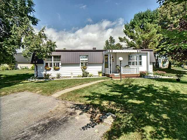 pictures of 8 Driftwood Lane, Clarington L1B1A5