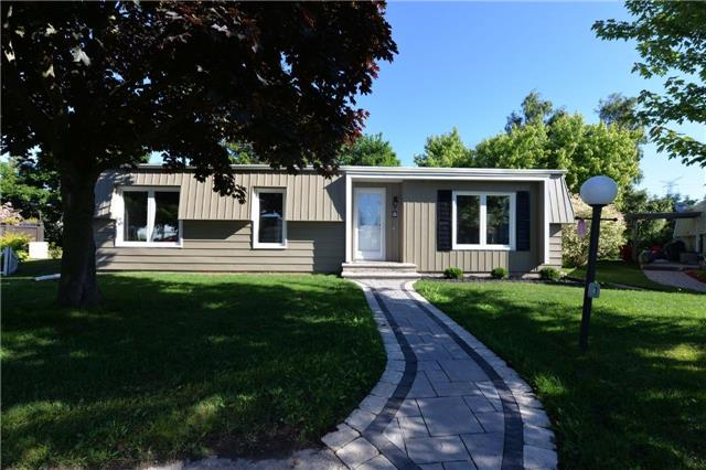 pictures of 8 Simcoe Crt, Clarington L1B1A1