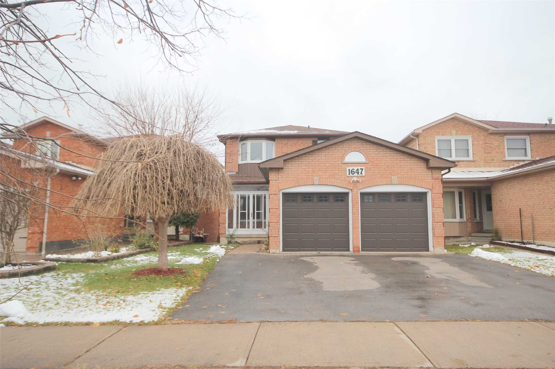 pictures of 1647 Pepperwood Gate, Pickering L1X2K5