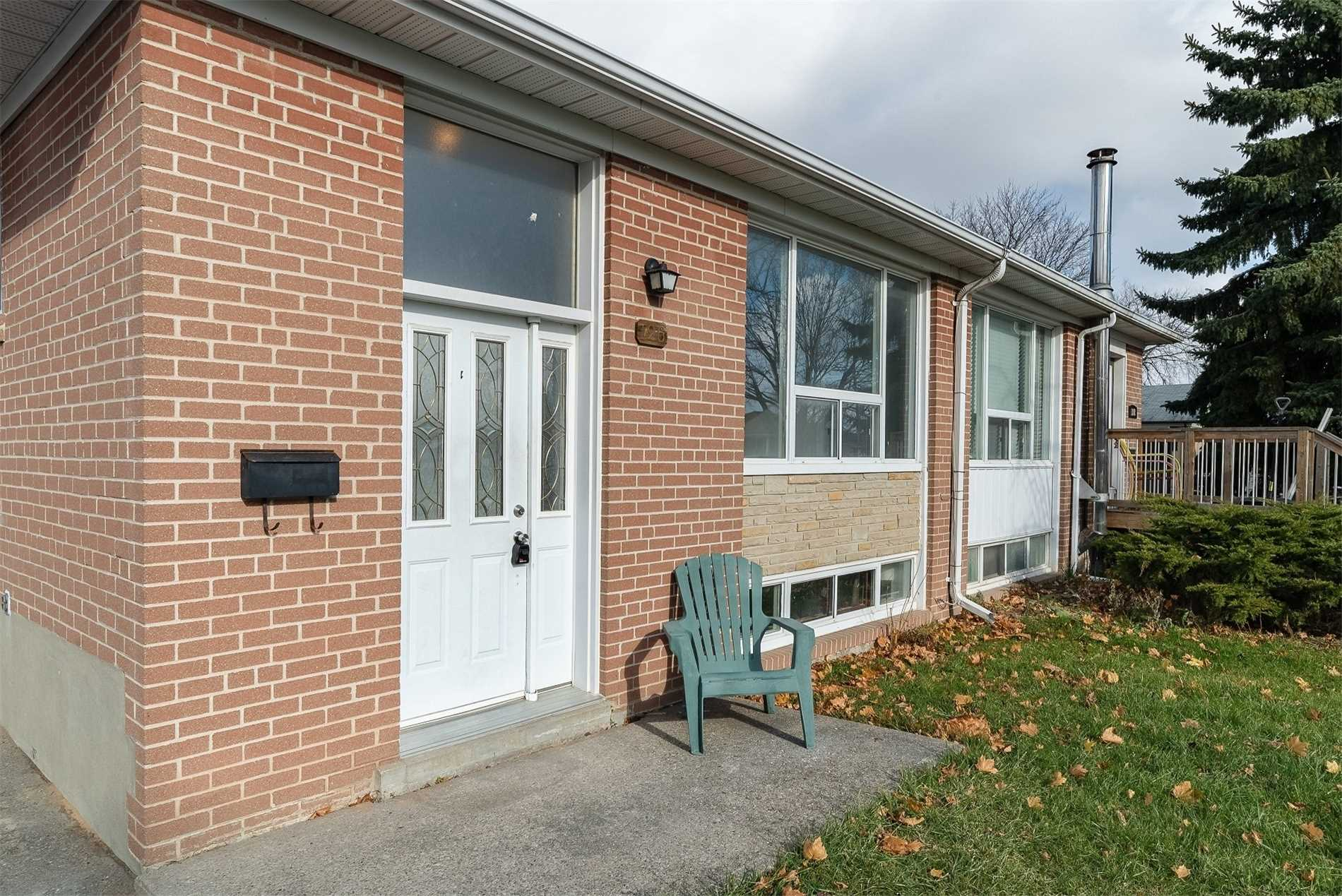 pictures of 126 Tulloch Dr, Ajax L1S2S6